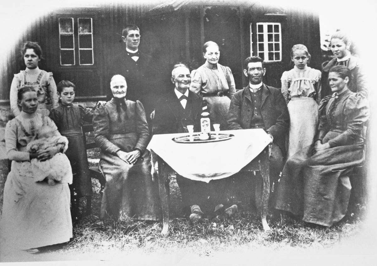Familiebilde fra ca. 1902.