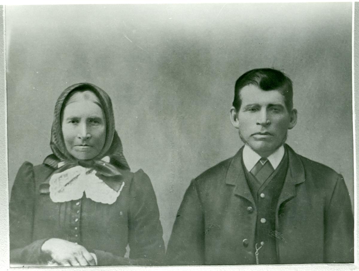 Portrett av Haldor og Olea Erstadbråten.