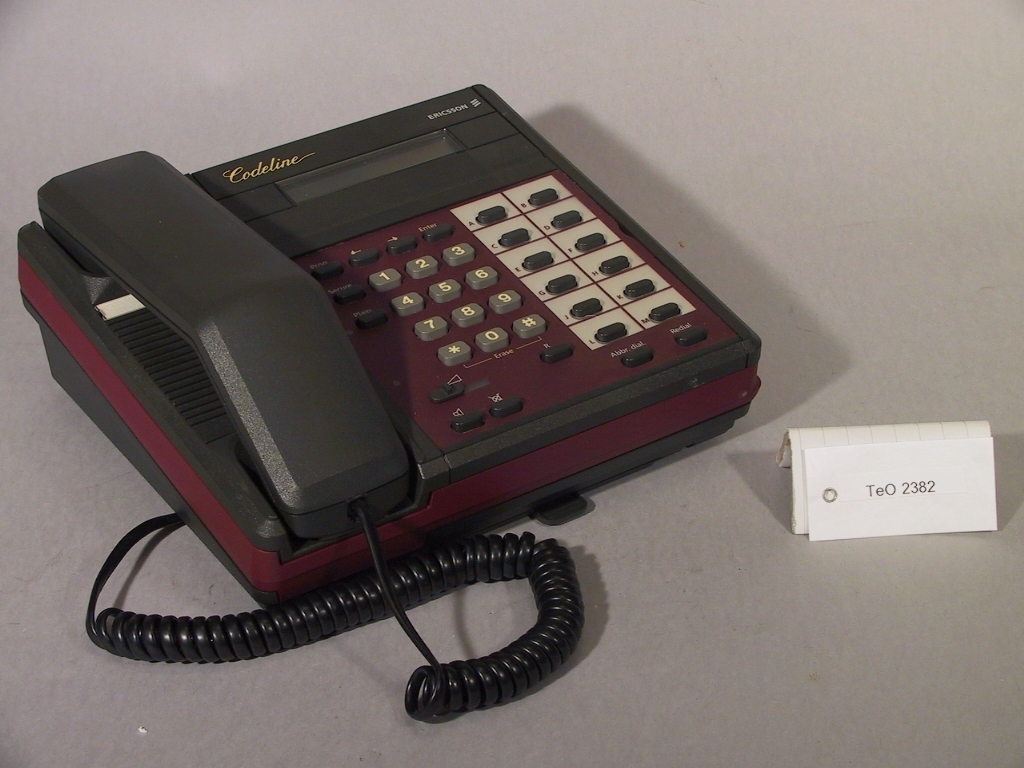 """Telefonapparat med krypterad överföring """"Codeline"""". Testmodell, med testnyckel dat. 911105."""