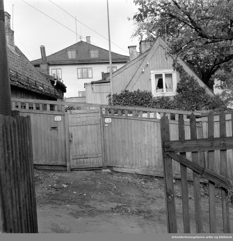 Enerhaugen. Johannesgt. 16 - 18.Oktober 1957