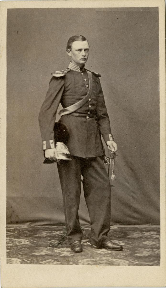 Porträtt av Gustaf Albert Oldberg, löjtnant vid Svea artilleriregemente A 1.