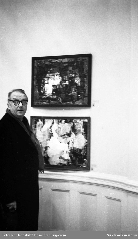 Y-salongen sattes upp i Sundsvall som en samlingsutställning för konstnärer från Västernorrland. Bland annat medverkade Gustaf Walles, Lennart Wennersten och Sune Blomquist.