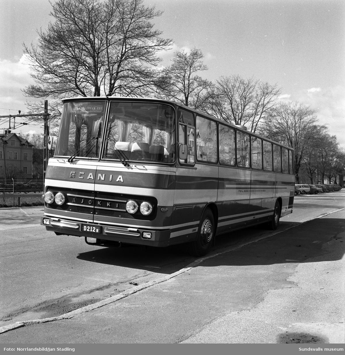 Scania passagerarbuss fotograferad på Norra Järnvägsgatan, Västermalm.