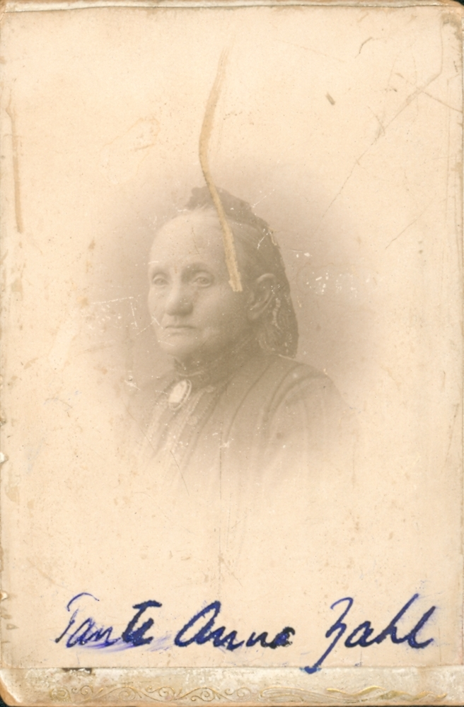 Portrett. Anna Zahl, f. Meyer.