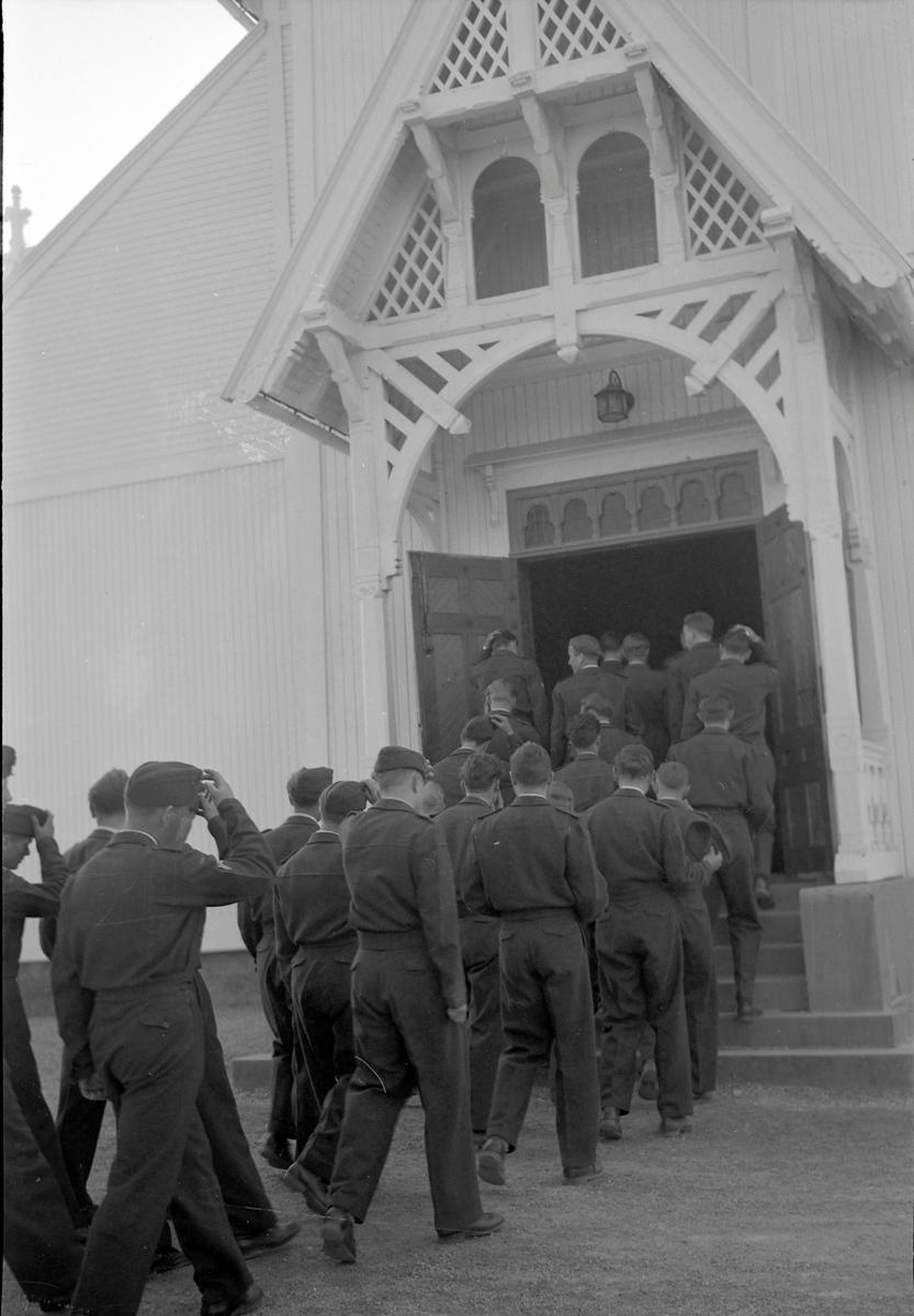 Bispevisitas, feltgudstjeneste i Strinda hovedkirke på Moholt.
