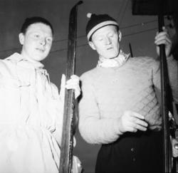 """Vardens arkiv. """"K.M. ski i Svartdal""""  21.01.1954"""