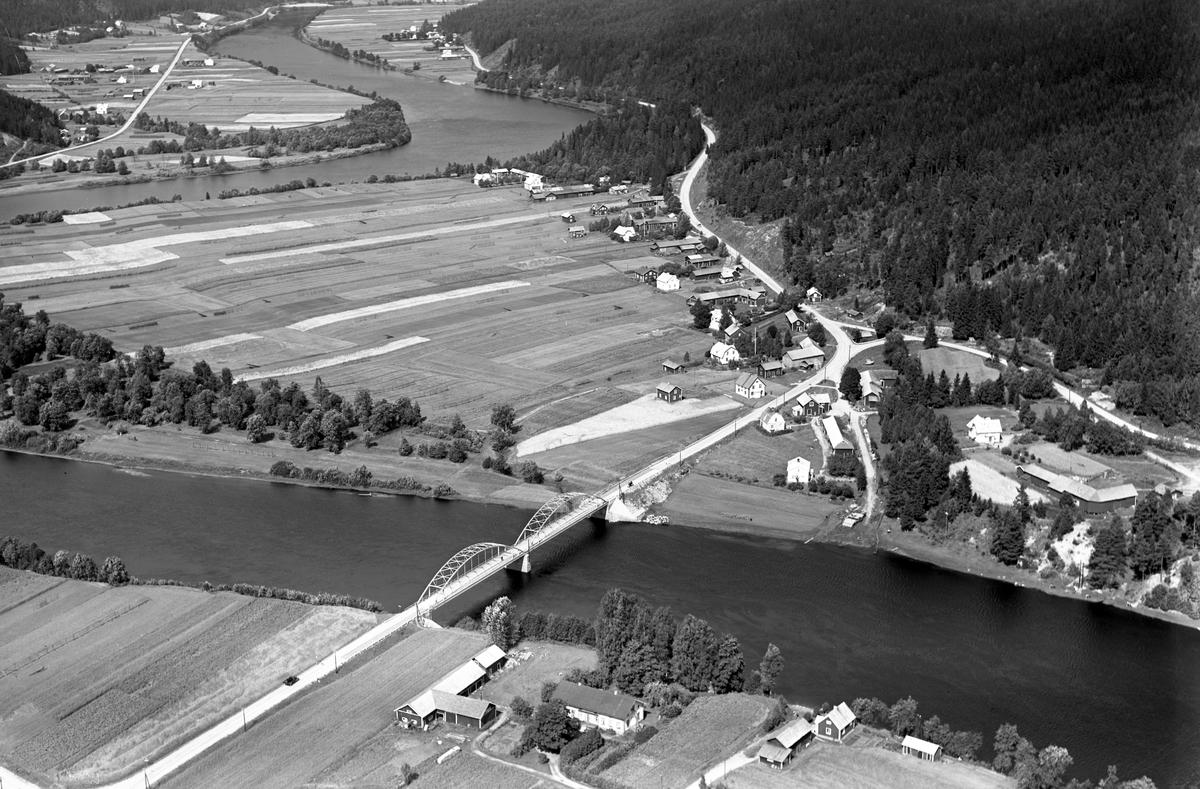 Byn Åstrand ca 10 km norr om Ekshärad på ett foto från 1939.