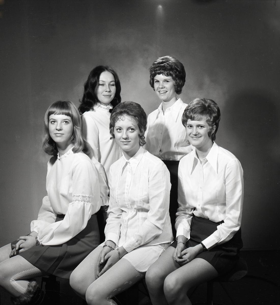 1970-års luciakandidater från Åmotfors.