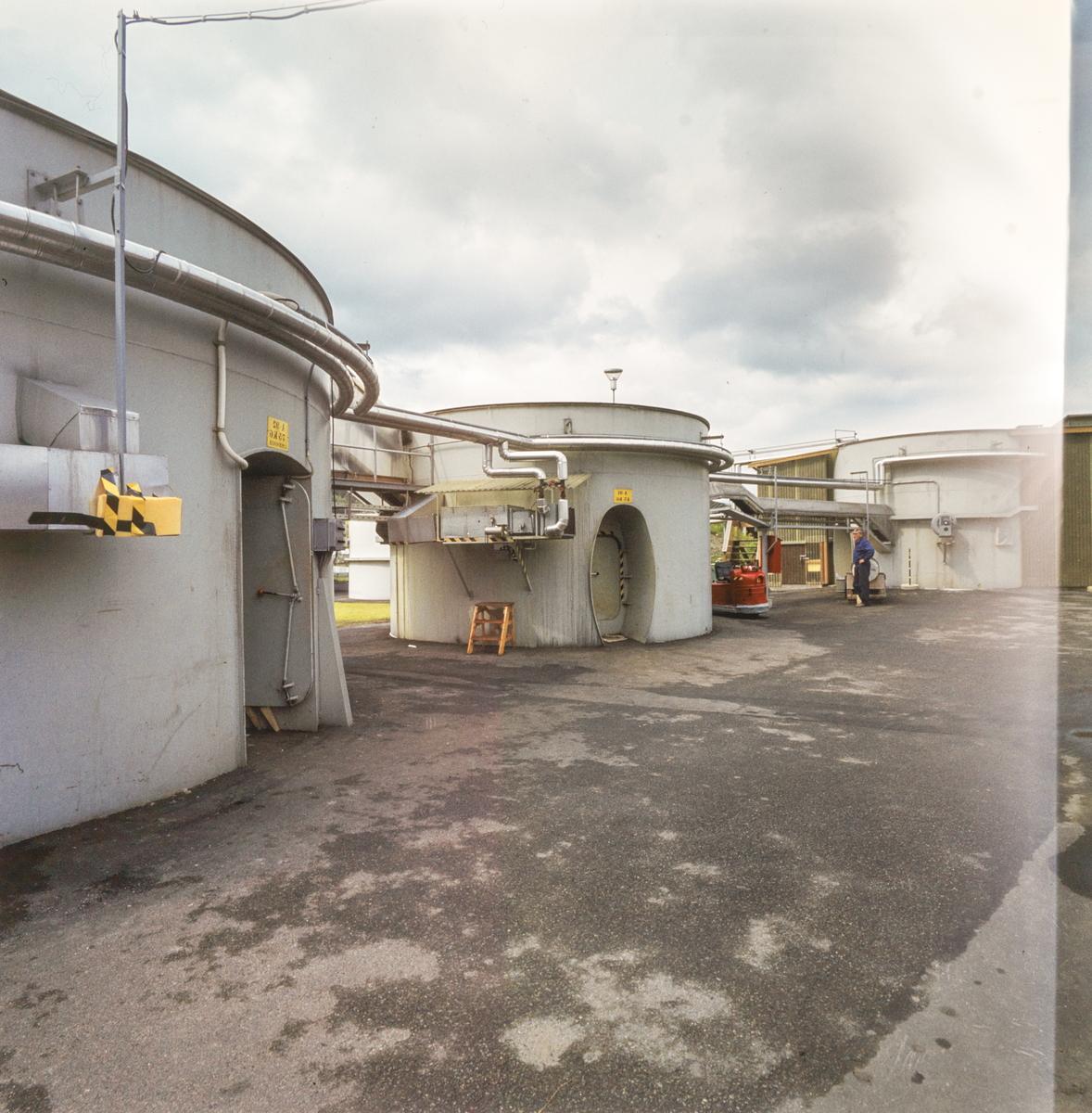 Group no. 64-60-00-00 Picture no. 535934..Sprengstoff produksjon .sylindriske hus