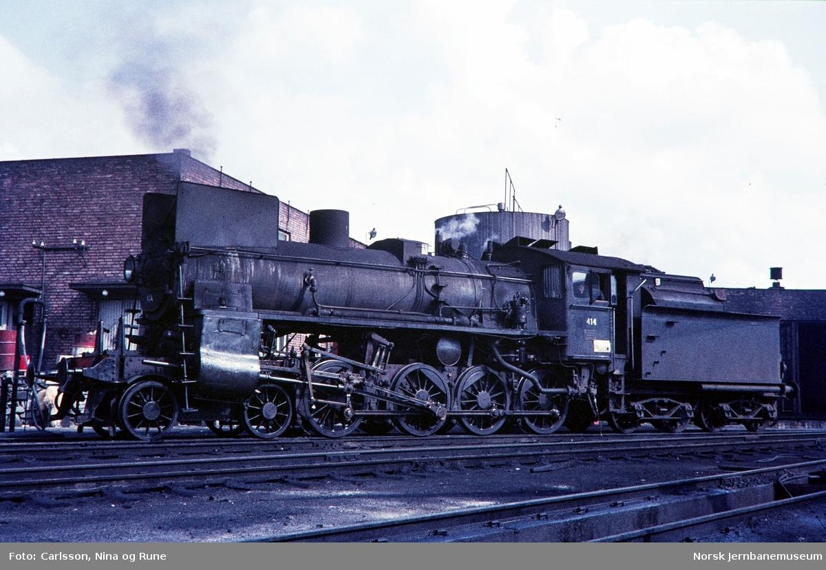 Damplok type 26c nr. 414 på Hamar stasjon