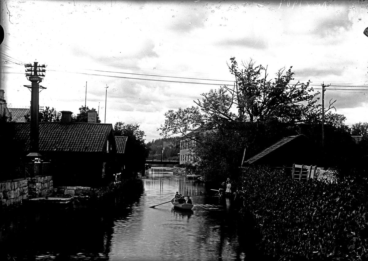 Köpingsån från S. bron, 1907.