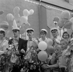 Studenterna, första d. 1960. Studenterna har samlats för at