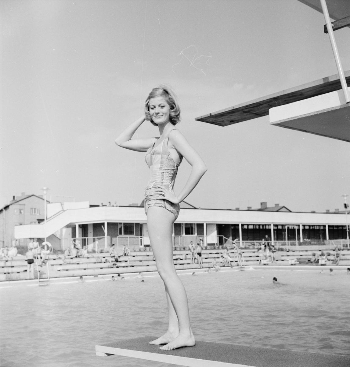 Birgitta Öfling vid Fyrisbadet, Uppsala, maj 1960