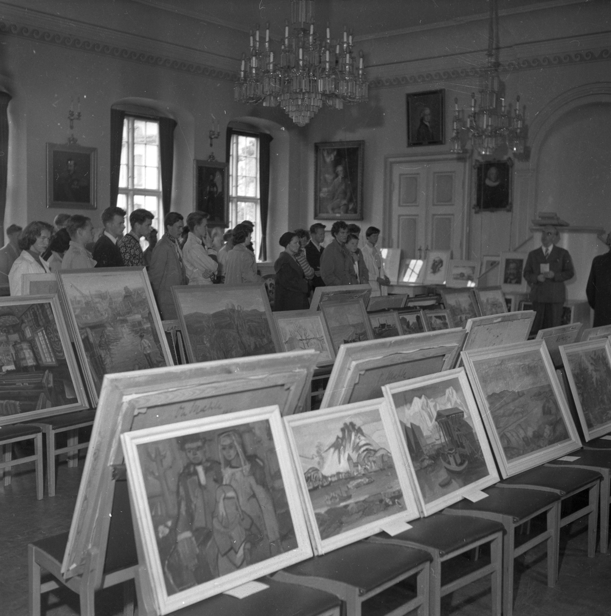 Maleriutstilling på Katedralskolen