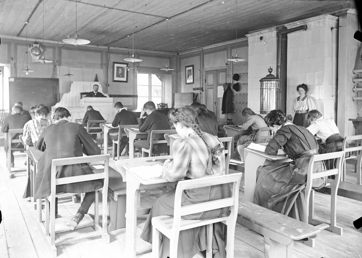Sista examensskrivningen, 1909.