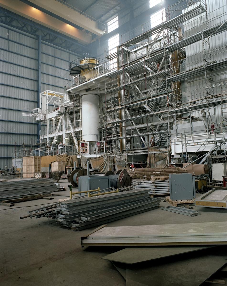 H.M.V. Produksjon av del til Statpipe Development Prosjekt for Statoil i verkstedet. Nordsjøhallen.