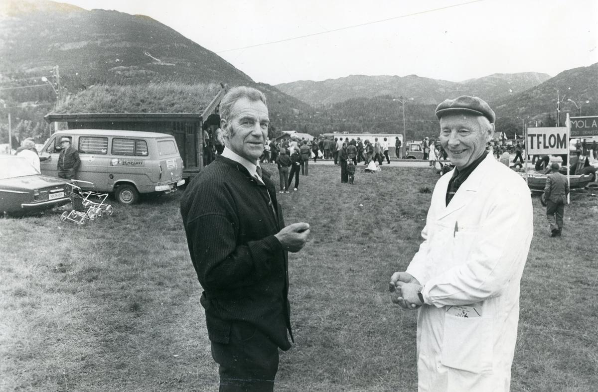 Alfred Bolstad og Torvald Indrebø på siste Dyrsku-dagen i 1982.