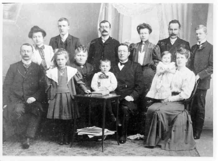 Familiene Møller Og Friele Ca1910 Dalane Folkemuseum Digitaltmuseum