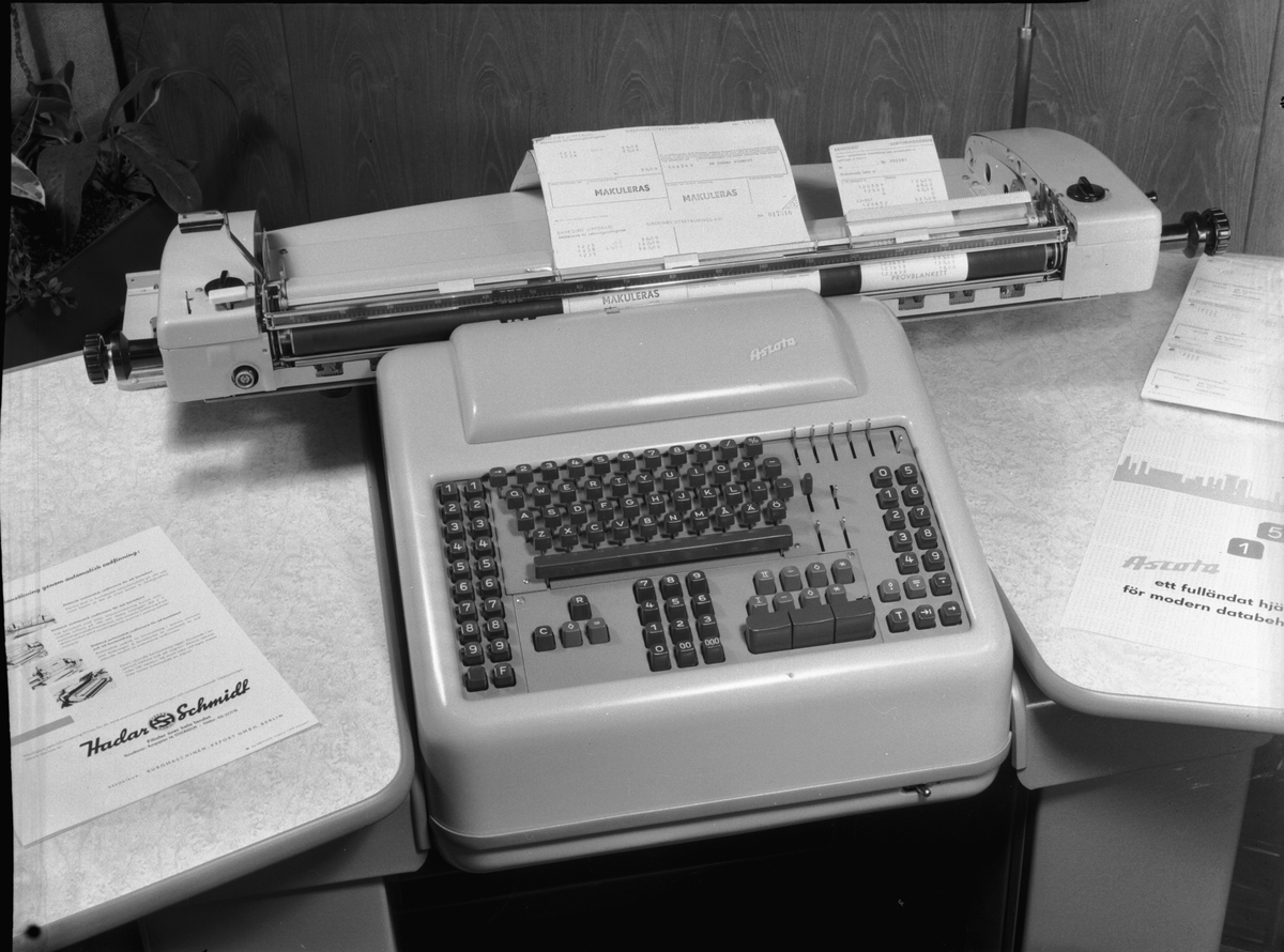 Hadar   Schmidt bokföringsmaskin. - Tekniska Museet   DigitaltMuseum 12fc08d7dc7ad