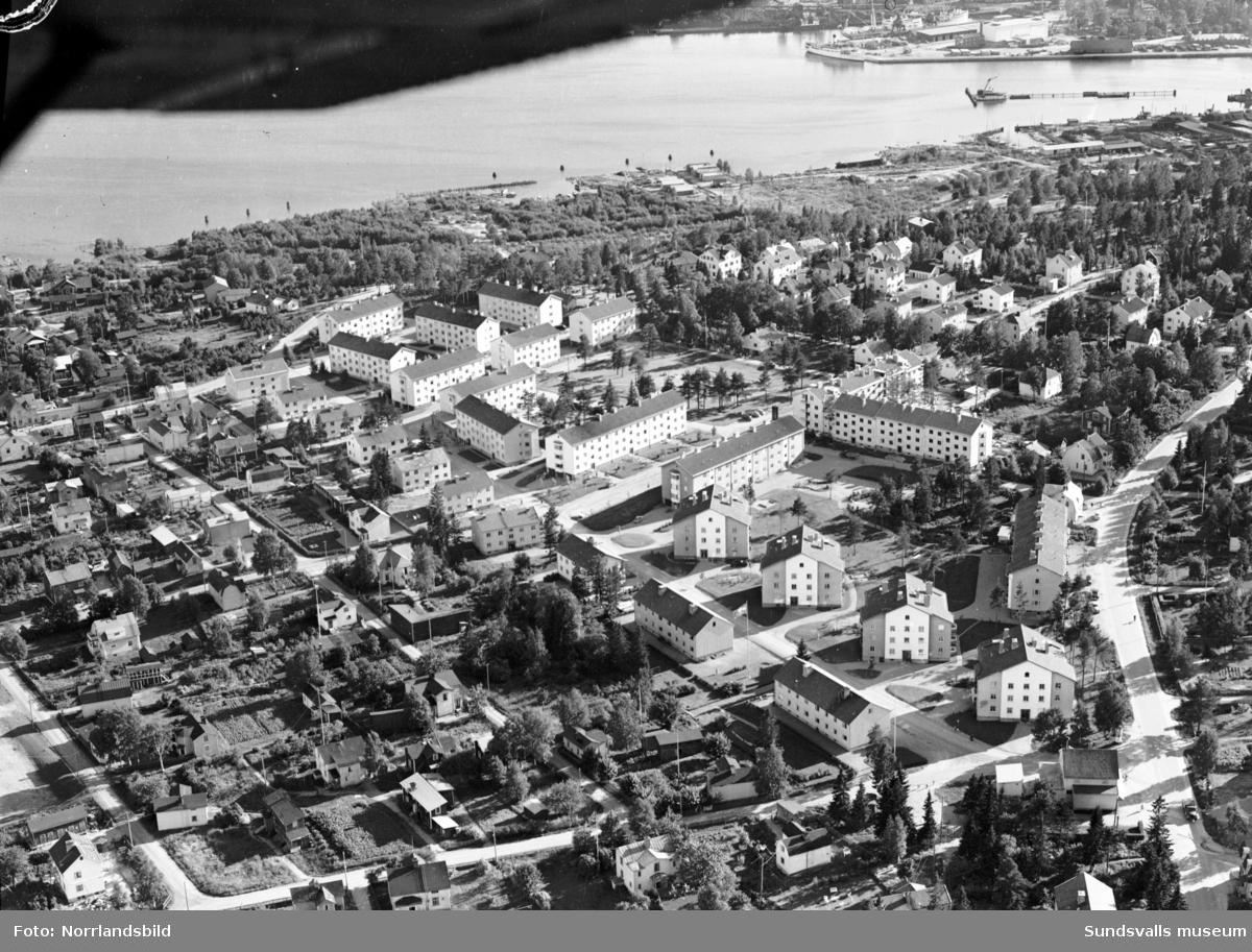 Flygfoto över västa Skönsberg, Haga, taget söderut från Riddagatan, Bragegatan, Lotsgatan.