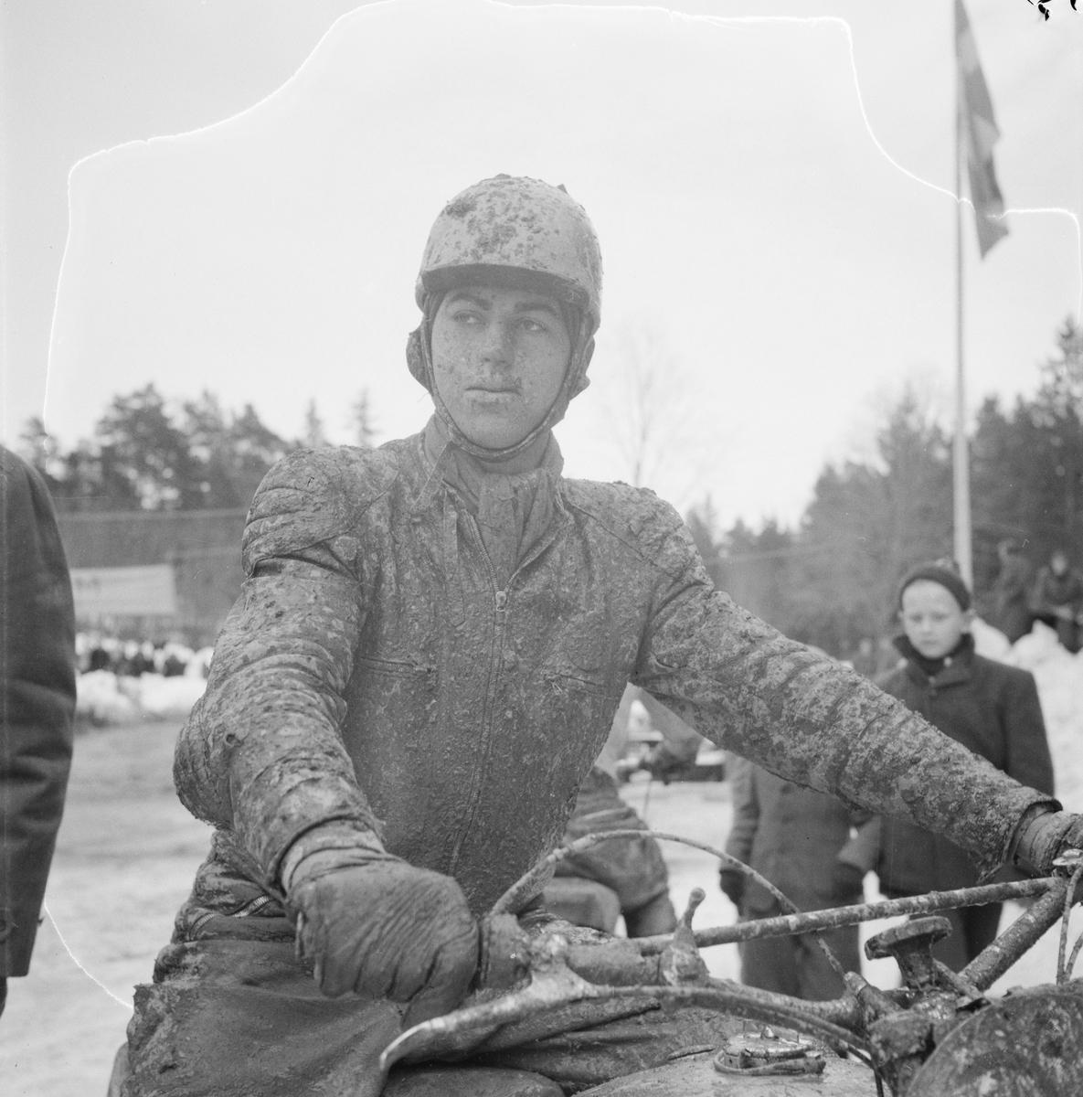 Motocross i Tjocksta, Danmarks socken, Uppland 1954