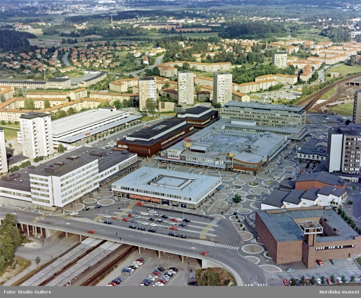 Flygbild över Vällingby centrum.