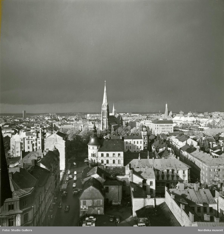 Stockholm. Utsikt norrut från Norra Kungstornet med S:t Johannes kyrka som närmaste kyrka.