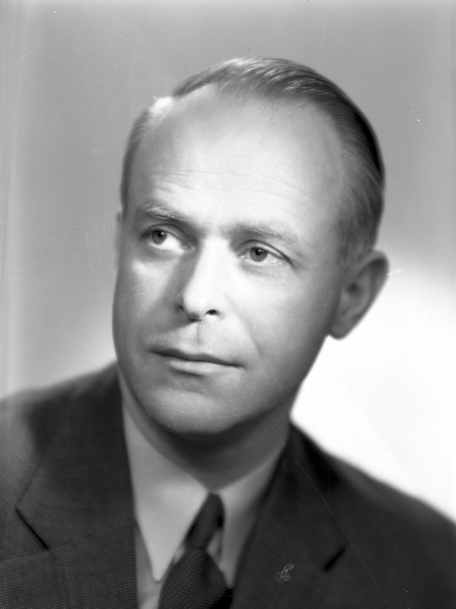 Tandläkare E. Kellner, Norra Rådmansgatan 10, Gävle. 15 maj 1946.