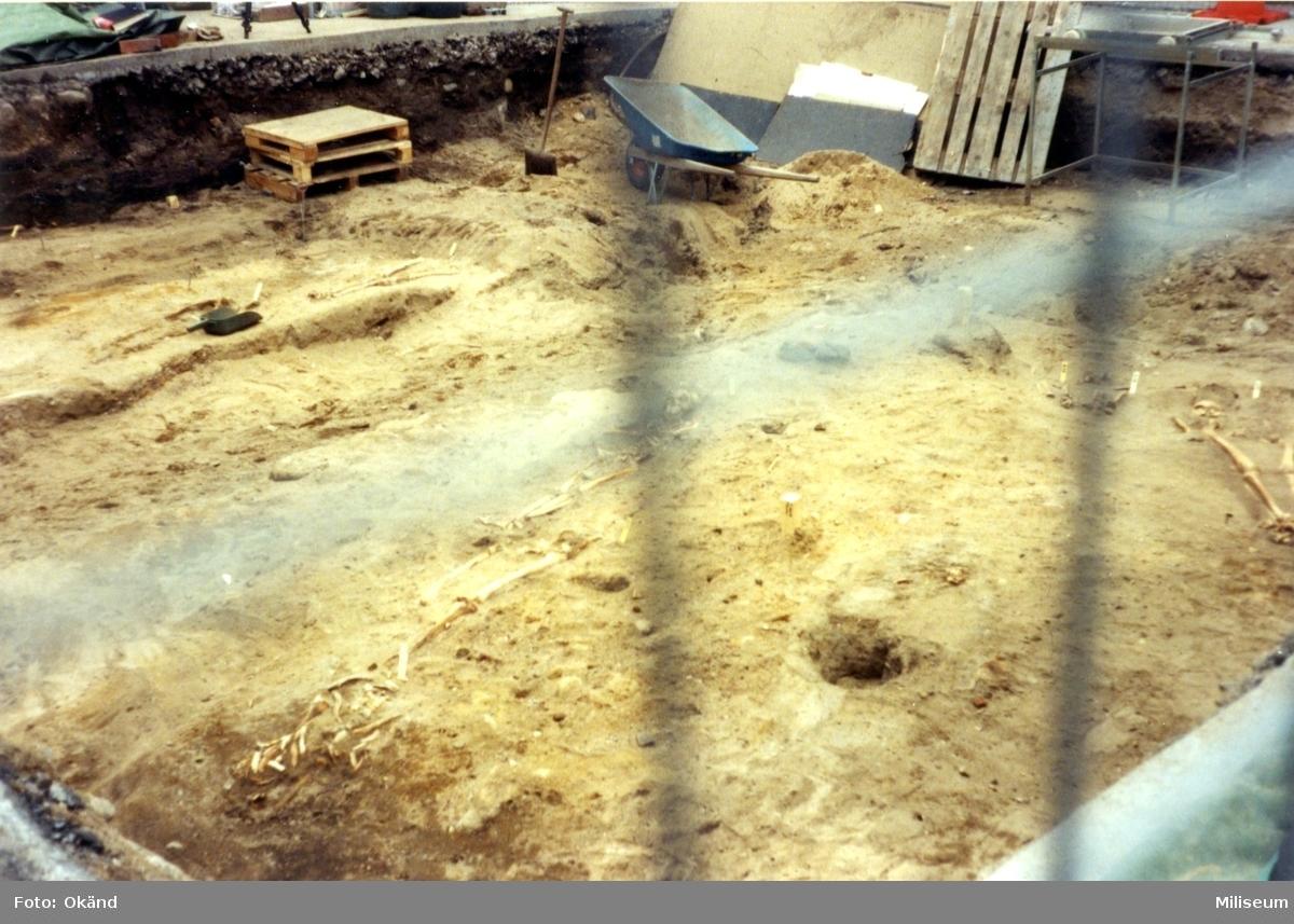 Utgrävning. Jönköpings första kyrkogård.