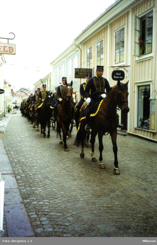 Uniformer: Smålandshusarer. (I Eksjö).