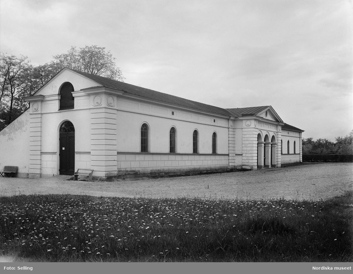 """""""Södermanland. Hölebo härad. Hölö socken.TULLGARN. Stallet (nr4) från sydost"""""""