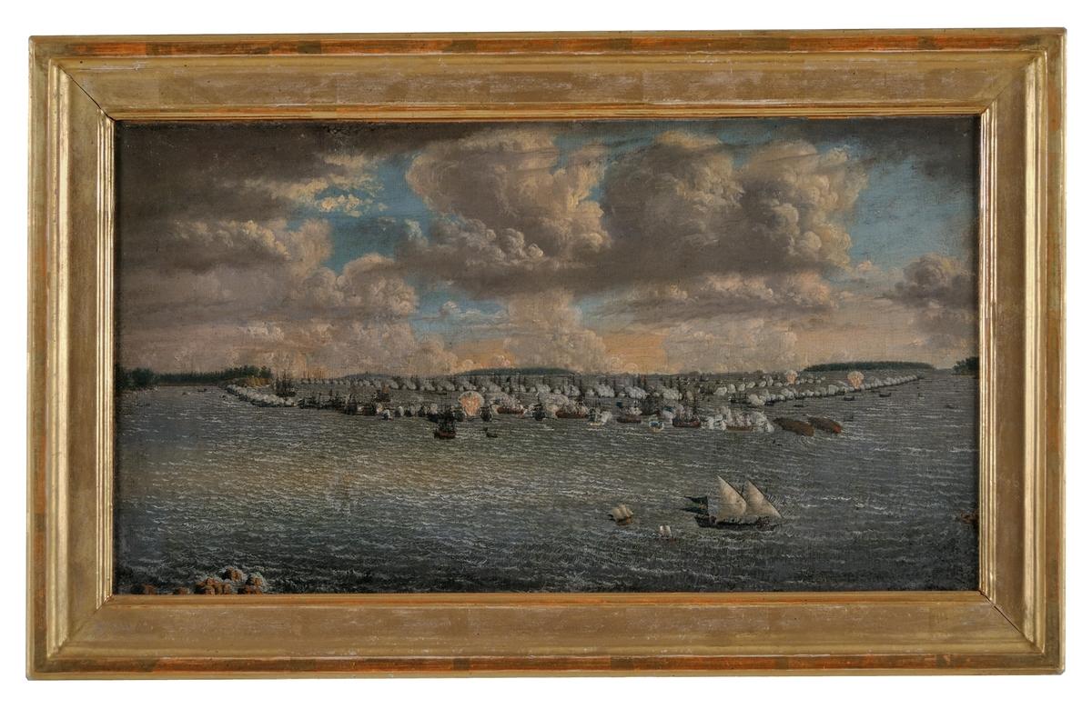 """Oljemålning på duk. Johan Tietrich Schoultz """"Sjöslag"""" - (pendang till GM 16529) - slaget vid Svensksund den 9 juli 1790.  Målningen fäst på pannå. Osignerad."""