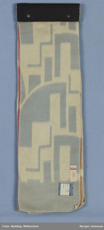 Bomullsteppe 4 prøver. Pappinnbinding. Grafisk mønster