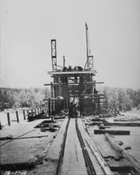 Bygging av bru over Haugsfoss