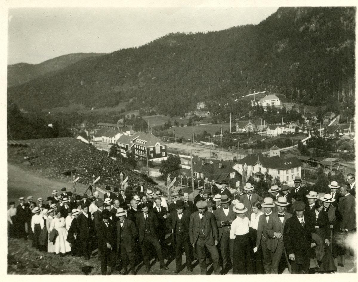 Frå eit høgskulestemne på Løkken Verk, 1917.