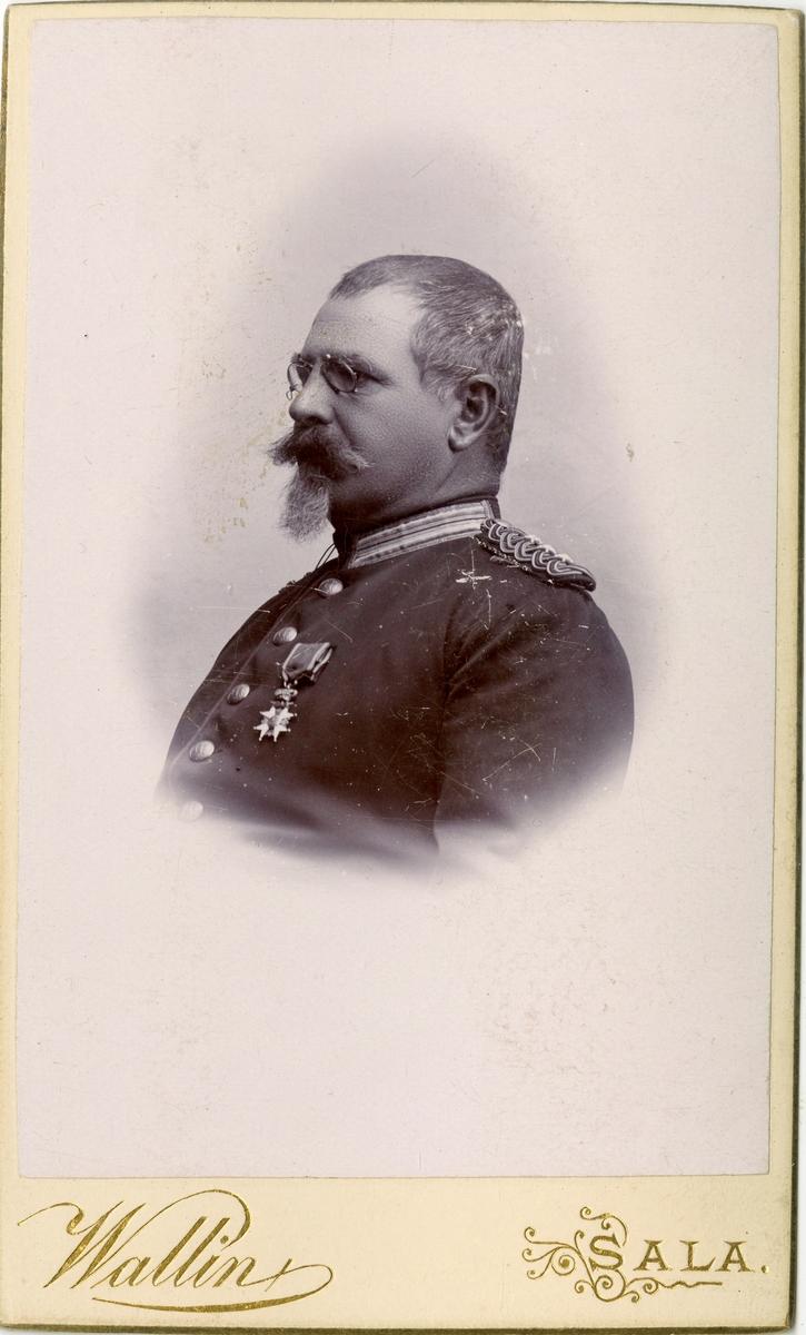 Porträtt av okänd kapten vid Västmanlands regemente I 18.