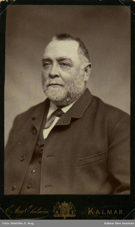 Johan Julius Jeansson, brorson till Theodor Willhelm Jeansson. Gift med Emma, född Parrow. Född 19/4 1831, död 1/12 1896.
