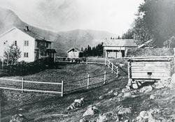 Rustebakke gard, Sør-Aurdal.