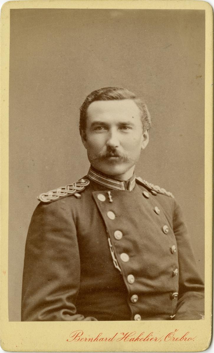 Porträtt av okänd löjtnant vid Närkes regemente.