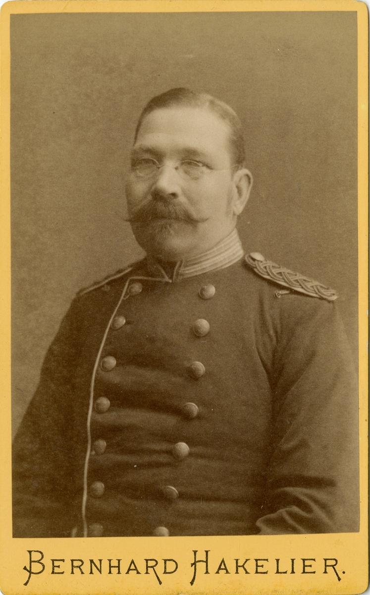 Porträtt av okänd officer vid Livgrenadjärregementet I 4.