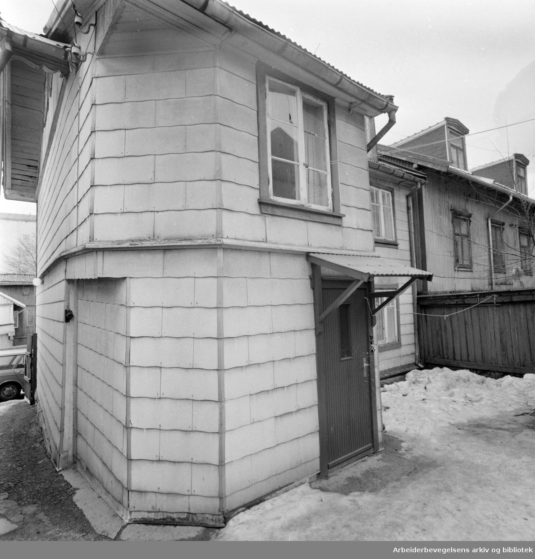 Rodeløkka: Leieboerforening vil ha full rehabilitering. Mars 1973