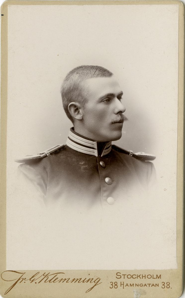 Porträtt av Helge August Johan Odhner.