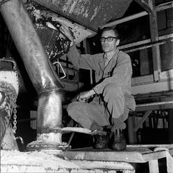 Bernt Herlofsen ved KS-fabrikken.