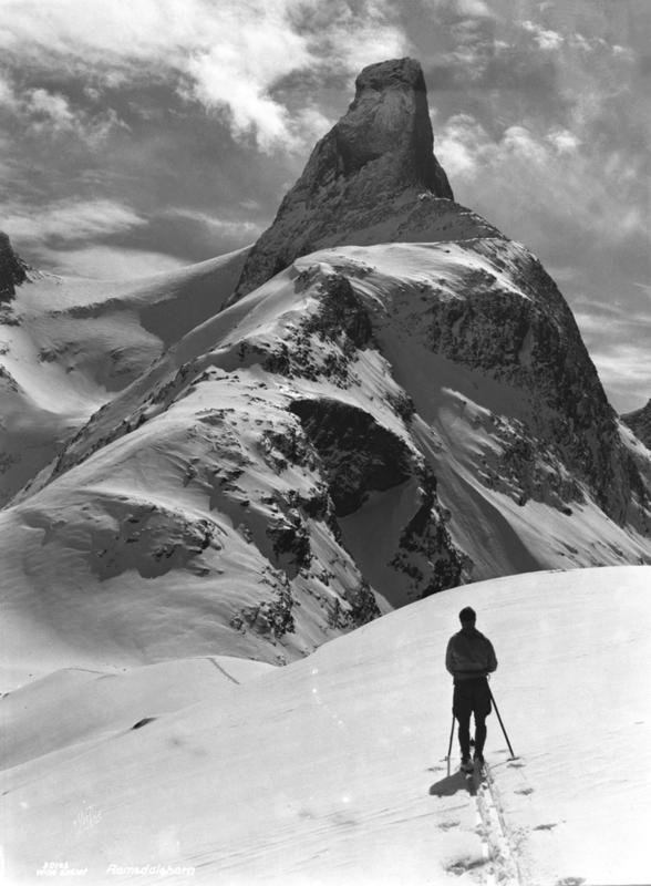 Romsdalshorn fra Kammen 1927