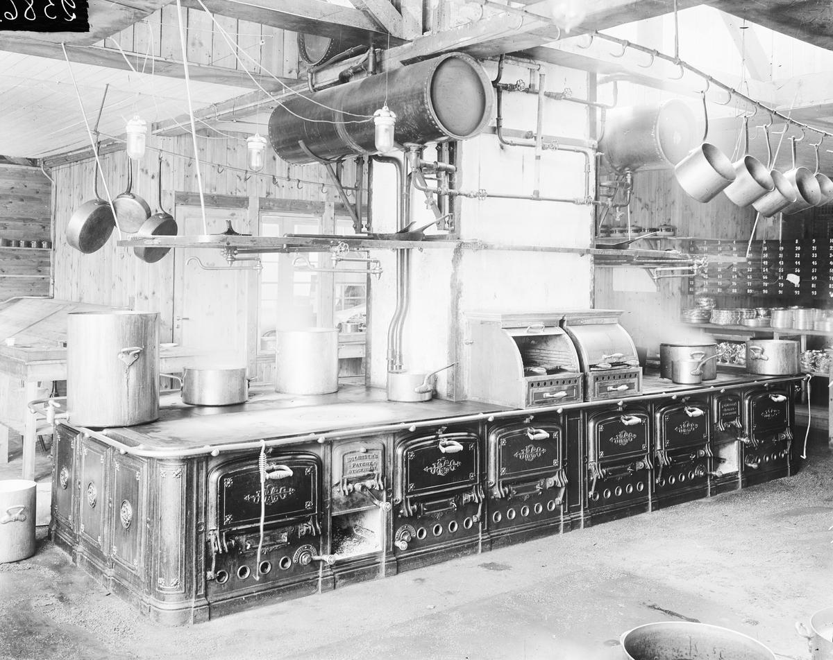 Bolindersspis i Bilfens kök (restaurangkök). Utställningen 1909.