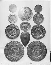 Medaljonger av gjutjärn.