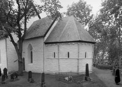 Alstadhaug kirke, intriør + extriør