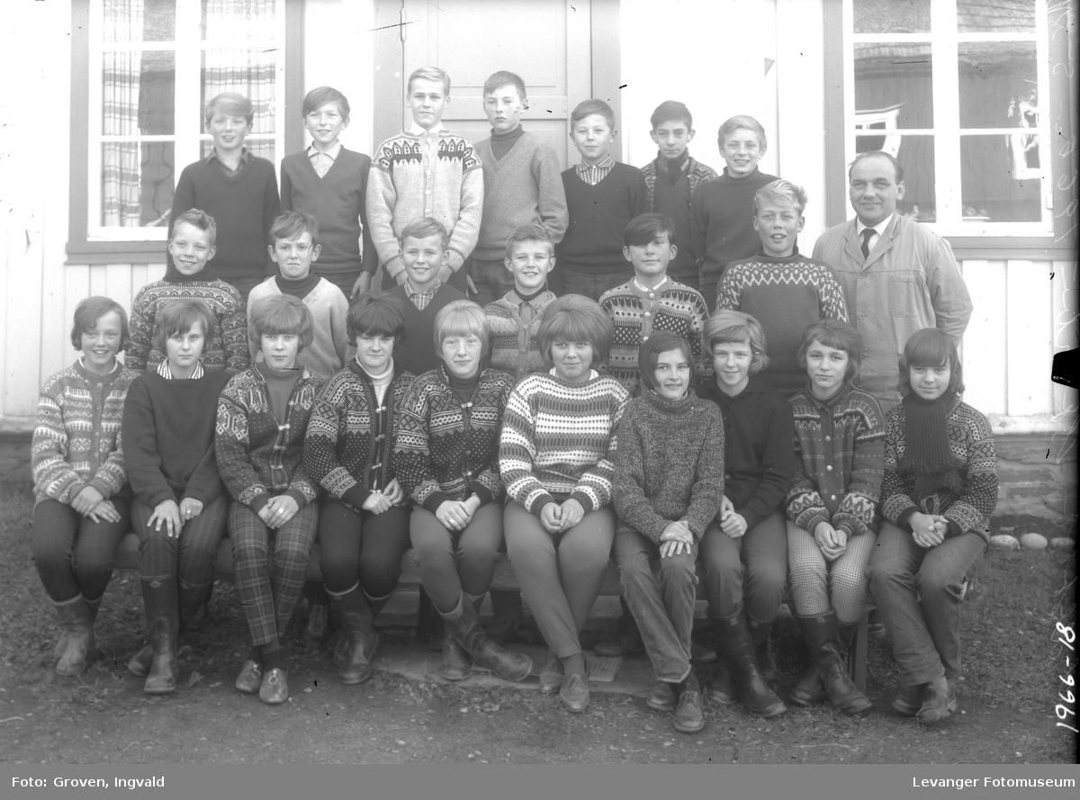 Skolebilde fra folkeskole, fra Sparbu.