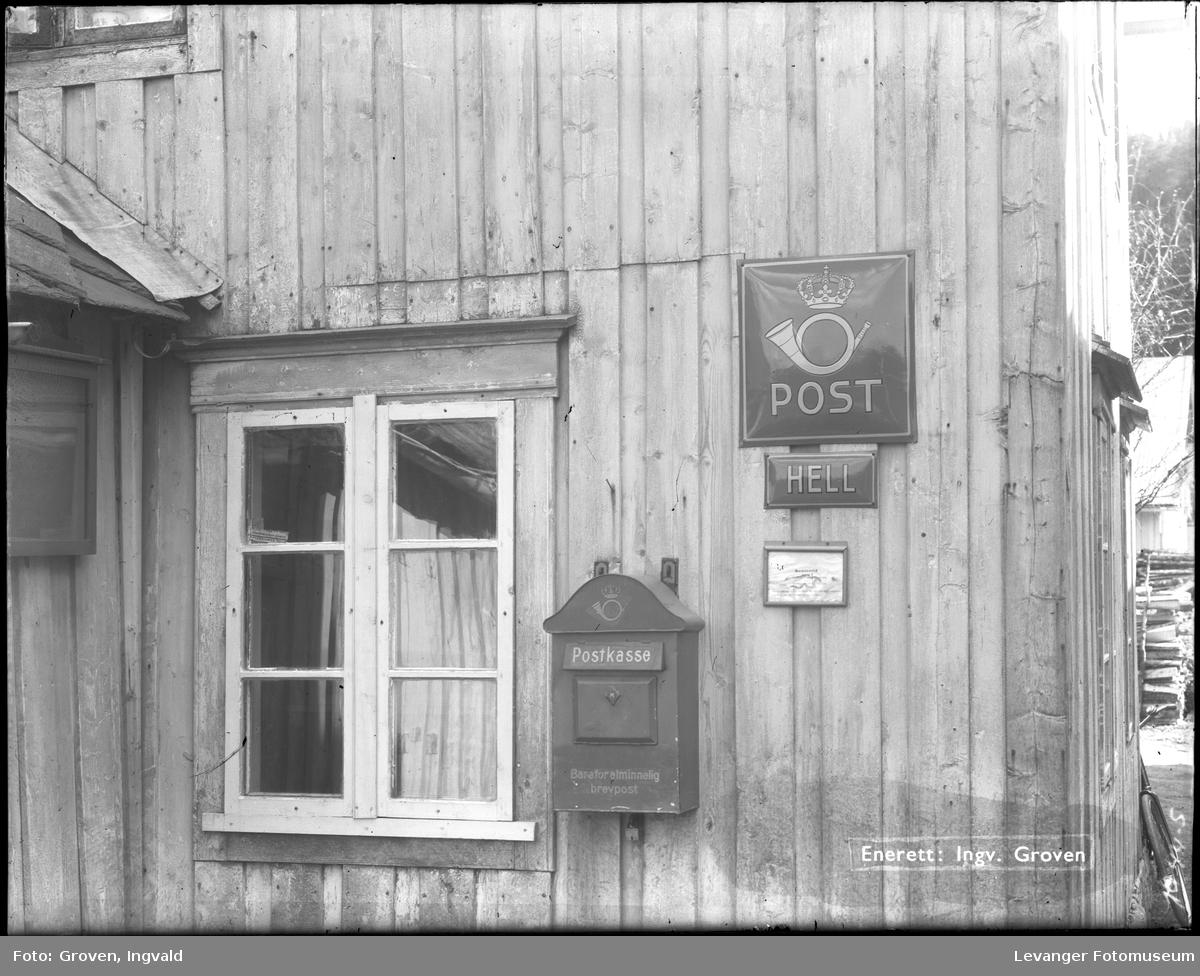 Fasaden på postkontoret på Hell.