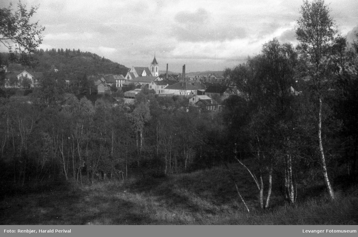Utsikt mot sentrum, Levangerkirka. Tatt fra Lillemarksbakkene.